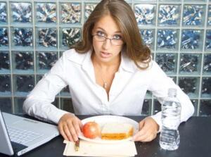 Со скольки на работе обед по закону