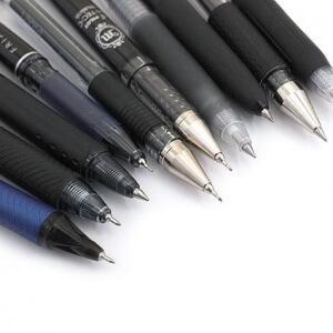Только черной гелиевой ручкой!