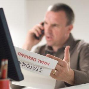 Коллекторы звонят по чужому долгу: что делать, грамотная реакция