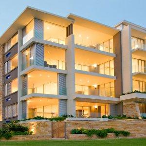 При продаже квартиры надо платить налог или же нет: заглянем в законы РФ