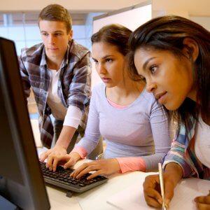 Работа несовершеннолетней в сети