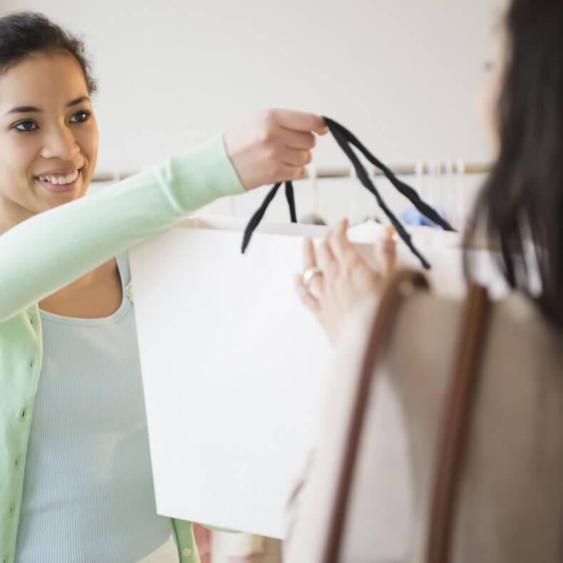 Работа для девушки продавцом-консультантом
