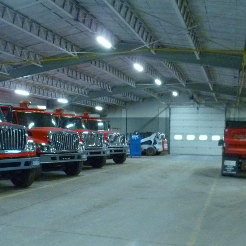 Гараж для грузовиков