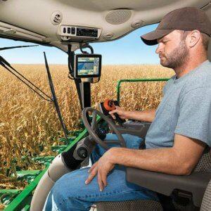 Производство пшеницы комбайнером