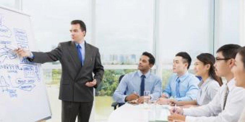 Что входит в обязанности коммерческого директора торговой компании