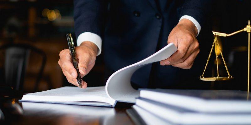 Чем отличается служебная записка от докладной и как правильно их составить