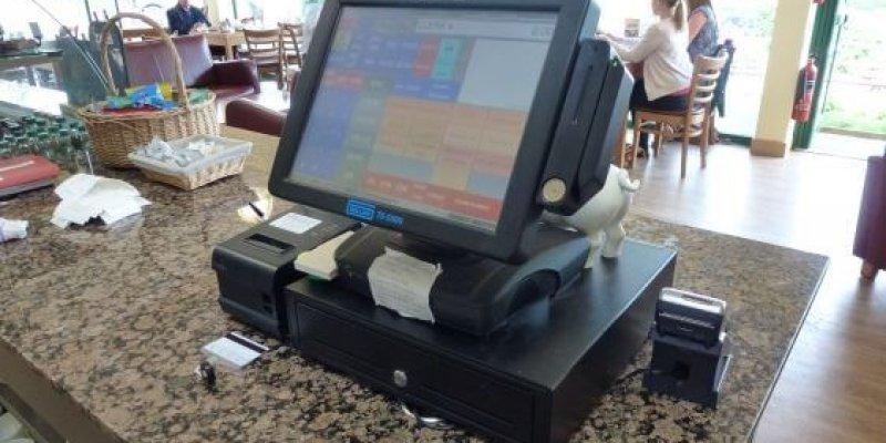 Кассовый аппарат для кафе и ресторанов: какое кассовое оборудование они должны использовать