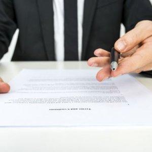 Стандартный договор на оказание услуг. Правила оформления и отличия от других соглашений