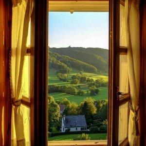 Красивый вид из окна