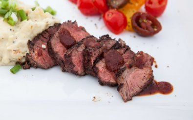Блюдо из страусиного мяса