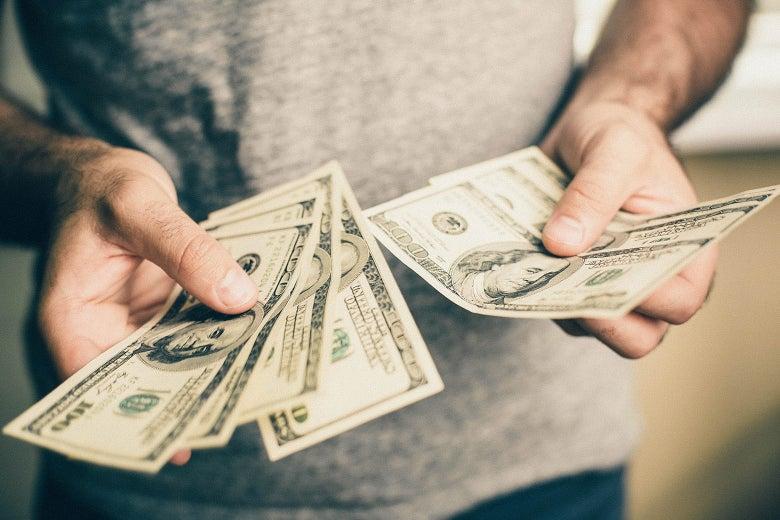 Выплата денежных средств