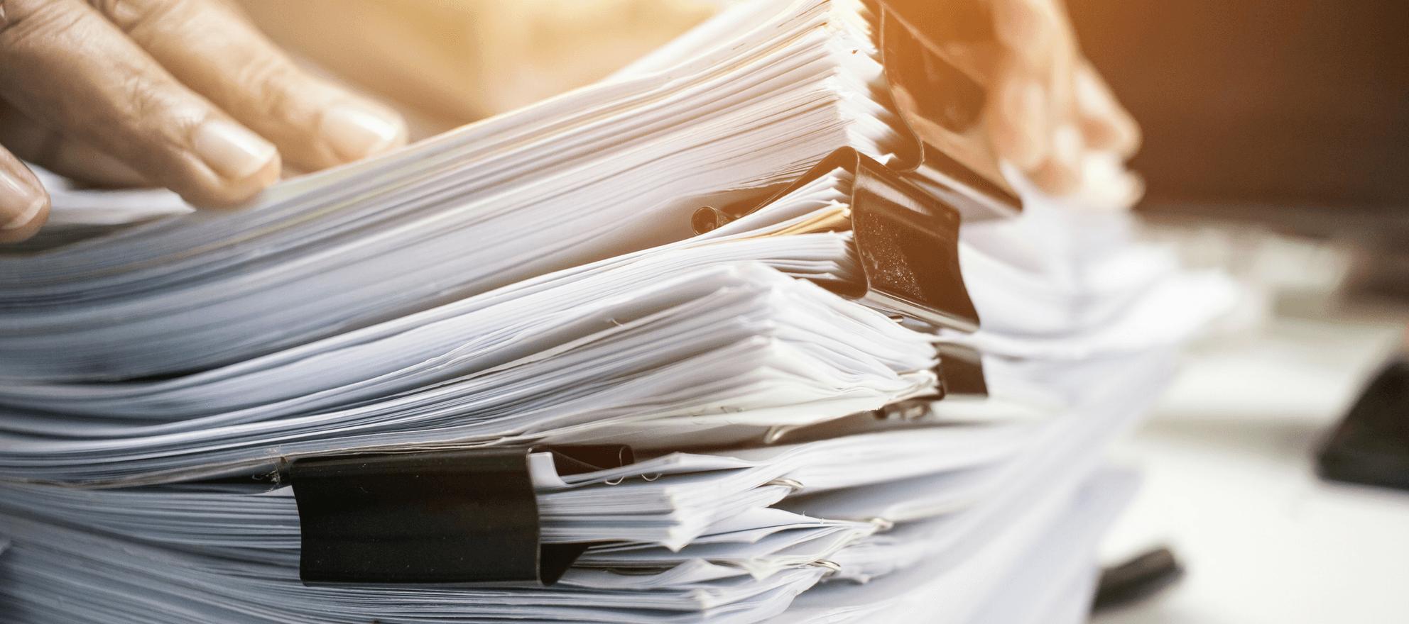 Изучение документов соискателей
