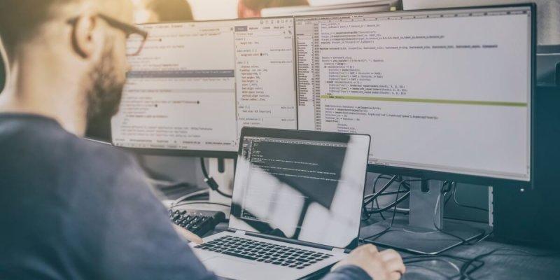 Должностные обязанности программиста – что должен знать и уметь специалист